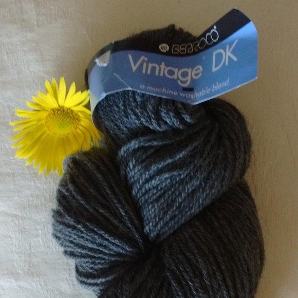 Berroco Vintage DK Acrylic Wool grey knit yarn